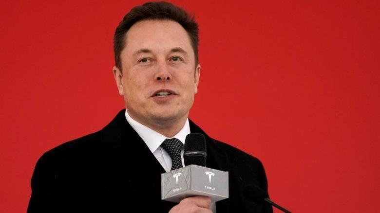 Elon Musk, NASA'ya daha ucuz uzay giysileri yapmayı teklif ediyor