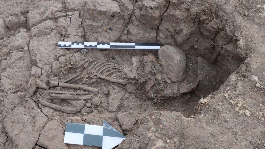 Tunceli'de 5 bin 500 yıllık çocuk iskeleti bulundu