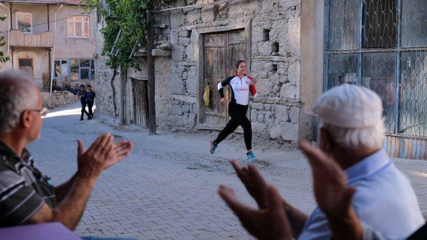 Annesinin 'koşma kızım kalbin durur' dediği milli sporcu Derya Ateşli'nin hikayesi