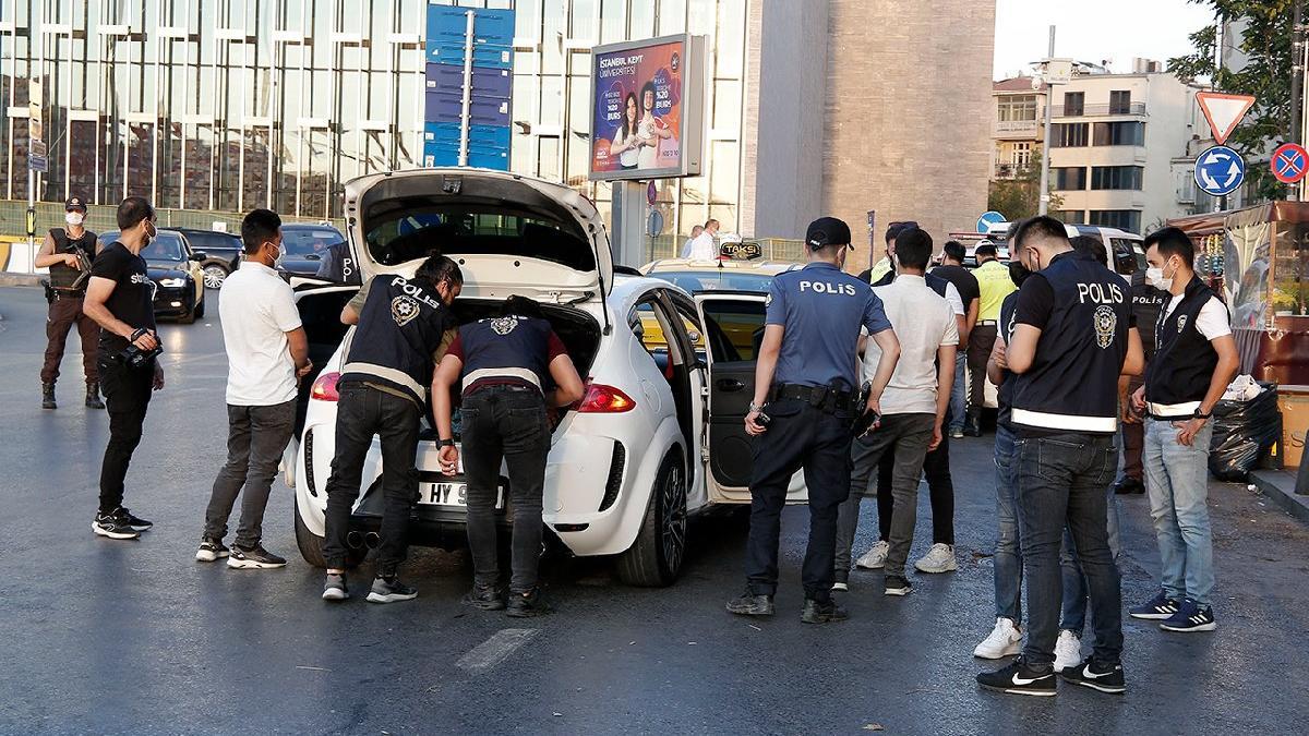 İstanbul'da polis teyakkuza geçti