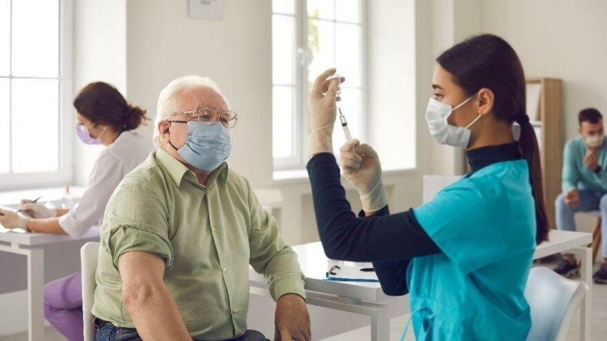 Biontech aşısı yan etkileri neler? Üçüncü doz aşısının yan etkisi var mı?