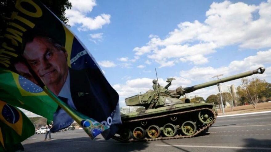 Bolsonaro'dan endişe yaratan hamle: Trump'ı taklit etmeye başladı