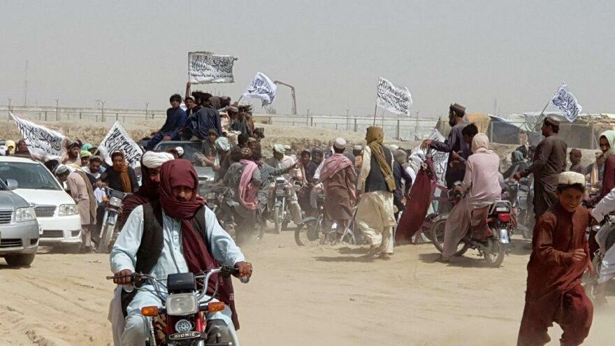 Taliban ilerliyor: 10'uncu vilayeti de ele geçirdi