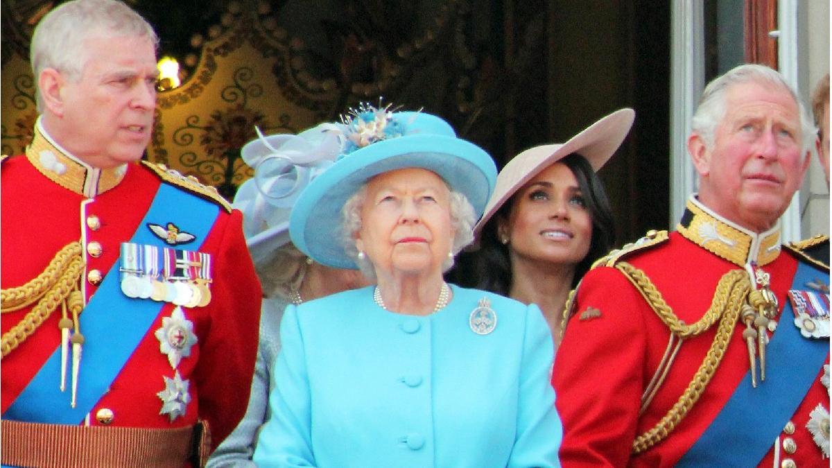 Cinsel saldırı davası Prens Charles'ın da sabrını taşırdı: Prens Andrew'un geri dönüşü yok