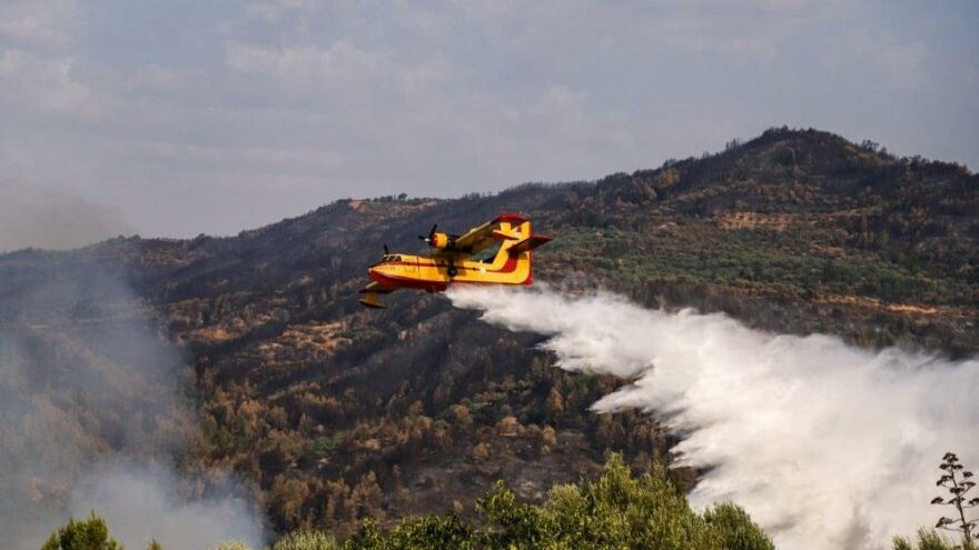 Mora Yarımadası'ndaki yangınlar devam ediyor