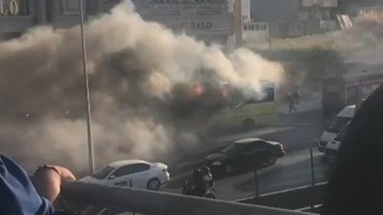 E-5'te seyir halindeki özel halk otobüsü alev topuna döndü
