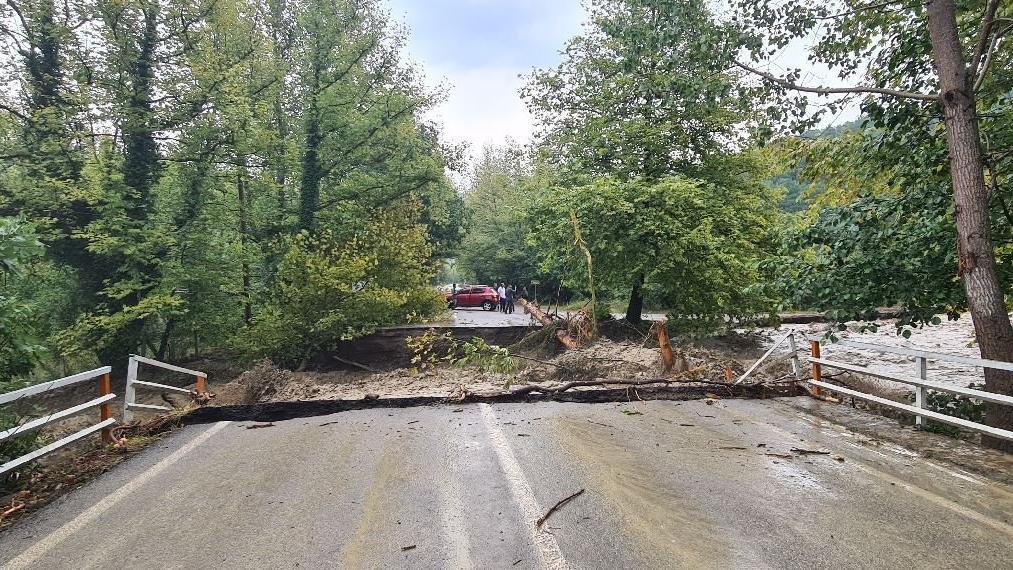 Bartın'dan sel suları sonrası köprü böyle yıkıldı