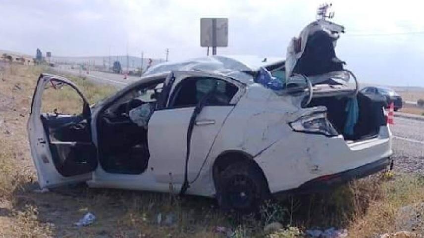 Otomobil şarampole devrildi, ölü ve yaralılar var