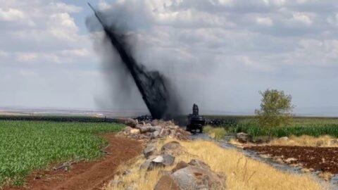 Boru hattı delindi metrelerce yükseğe petrol fışkırdı