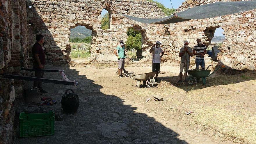 Magnesia Antik Kenti'nde ortaya çıkarıldı… Heyecan yarattı