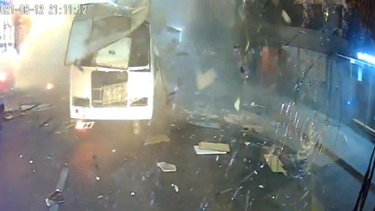 Rusya'da yolcu otobüsünde patlama... Dehşet anları kamerada