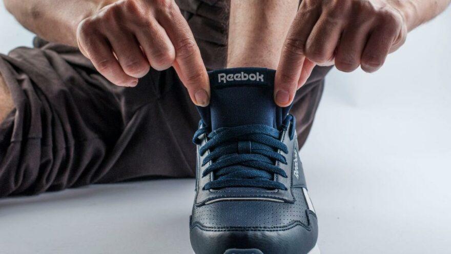 Adidas, 3,8 milyar dolara aldığı Reebok'u 2,5 milyar dolara satıyor