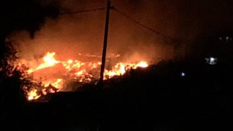 Bozyazı'da yerleşim alanında çıkan yangın kontrol altına alındı