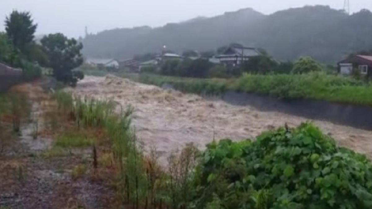 Japonya selle boğuşuyor: 1.7 milyon kişiye tahliye uyarısı