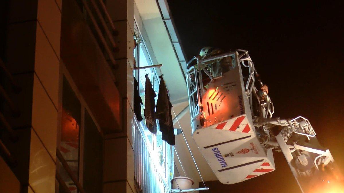 İstanbul'da yangın paniği: Dumanlar tüm binayı kapladı