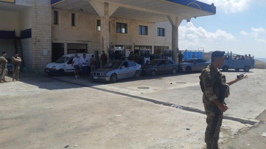 Lübnan ordusu ülkedeki akaryakıt istasyonlarına el koydu