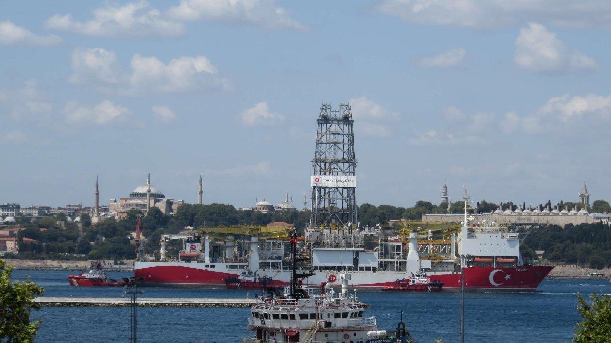 Yavuz sondaj gemisi Haydarpaşa Limanı'na demirledi