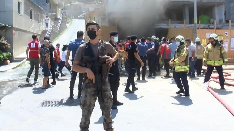 Beyoğlu'nda inşaatta yangın: 1'i ağır 6 yaralı