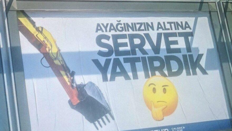 AKP'li belediyeden tepki çeken afiş: Ayağınızın altına servet yatırdık