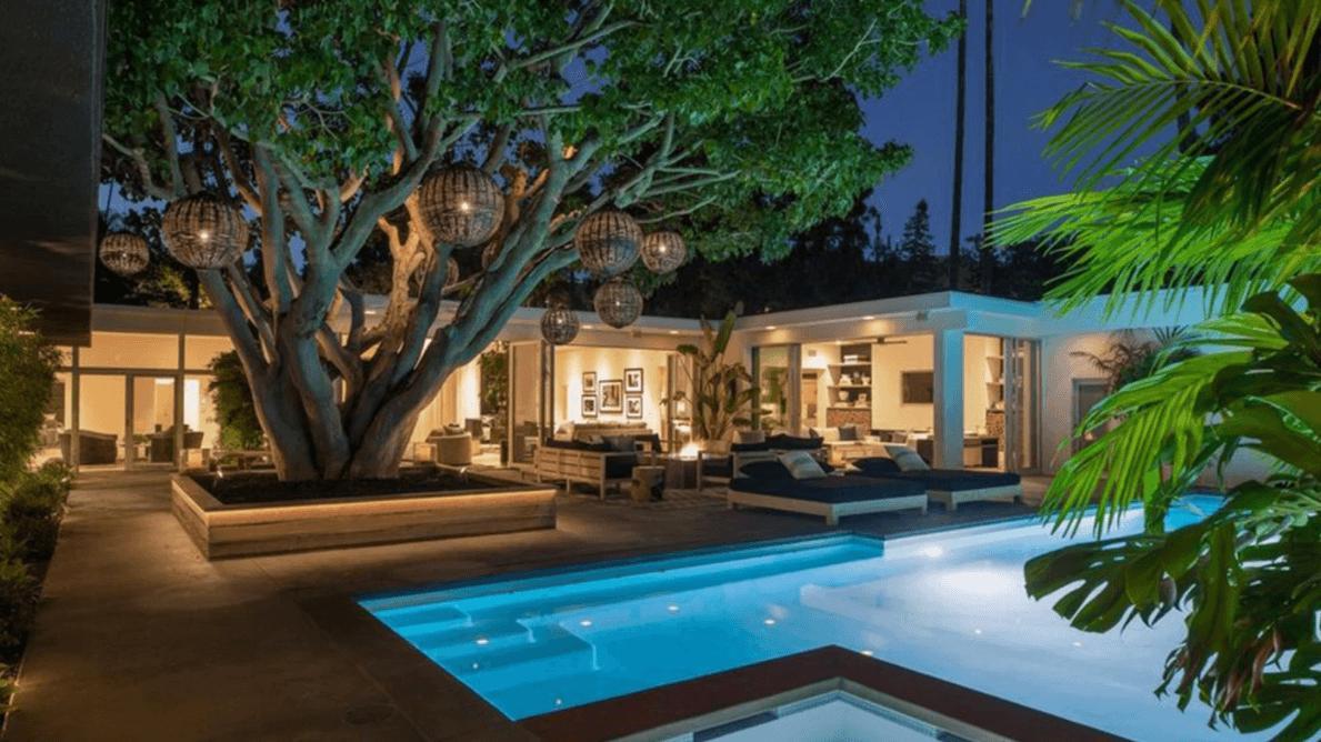 Cindy Crawford, evini 13,5 milyon dolara sattı