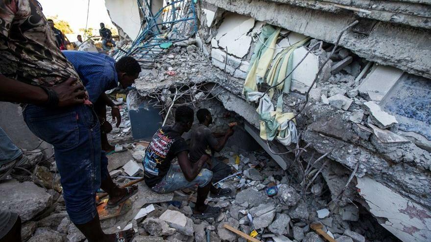 Haiti'deki 7.2'lik depremde ölü sayısı 300'ü geçti