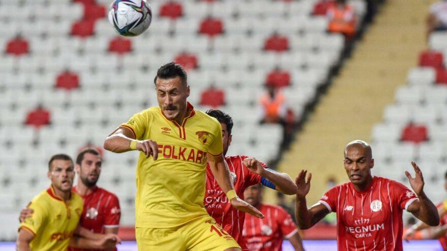Göztepe, Antalya karşısında 90+2'de puanı verdi