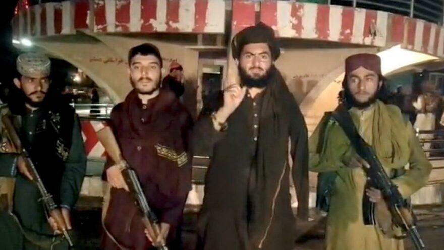 Celalabad'ı alan Taliban Kabil'e girmeye başladı: Kimseyi öldürmek istemiyoruz