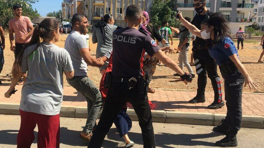 İki ailenin kavgası polisi çileden çıkardı: Yeter artık
