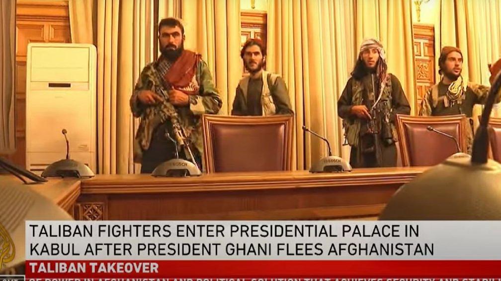 Afganistan'da kaos: Cumhurbaşkanı Gani kaçtı, Taliban sarayı ve Kabil'i ele geçirdi