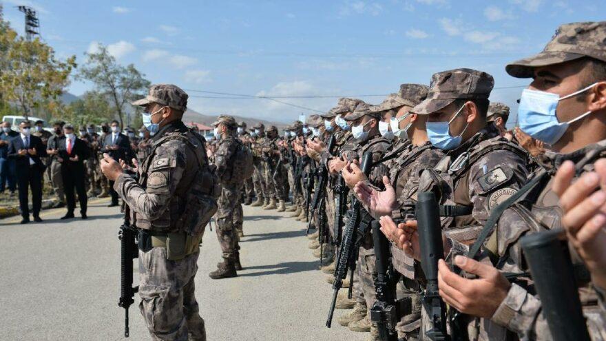 64 özel harekat polisi törenle Suriye'nin El-Bab bölgesine uğurlandı