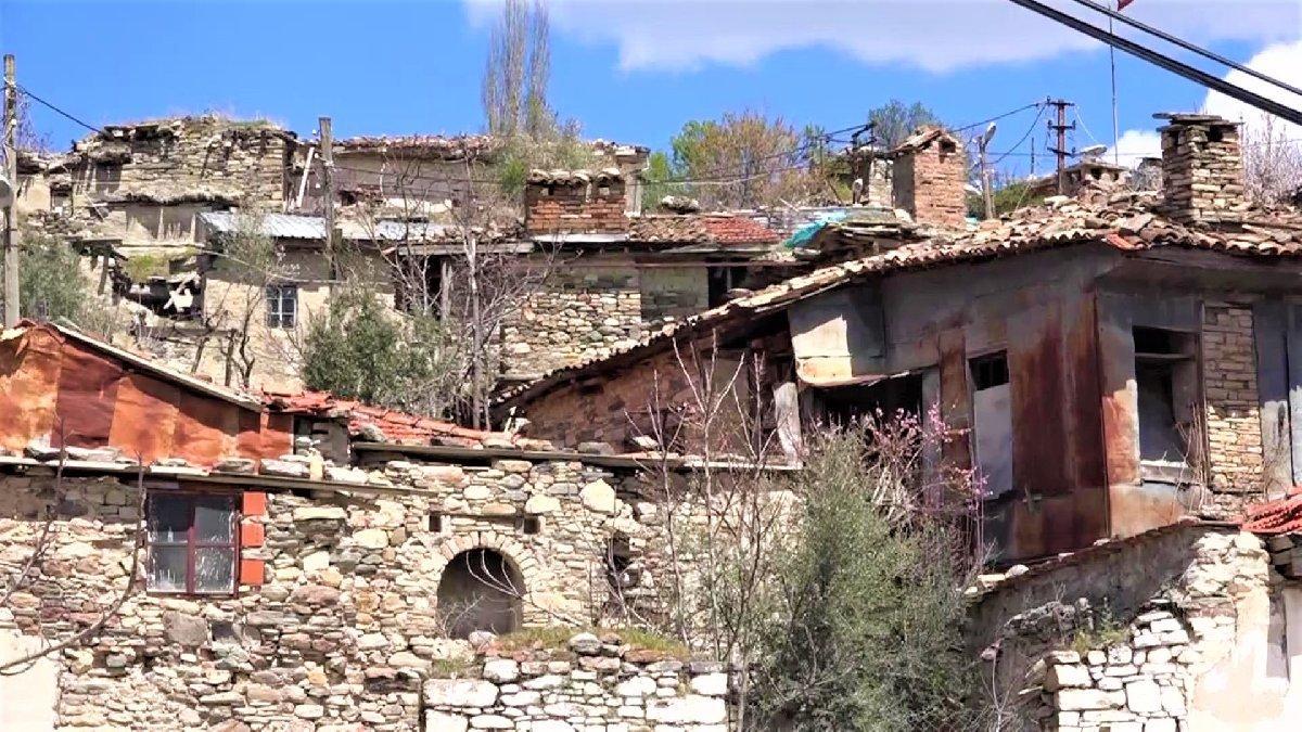 Antik kentin üzerinde yaşıyorlar
