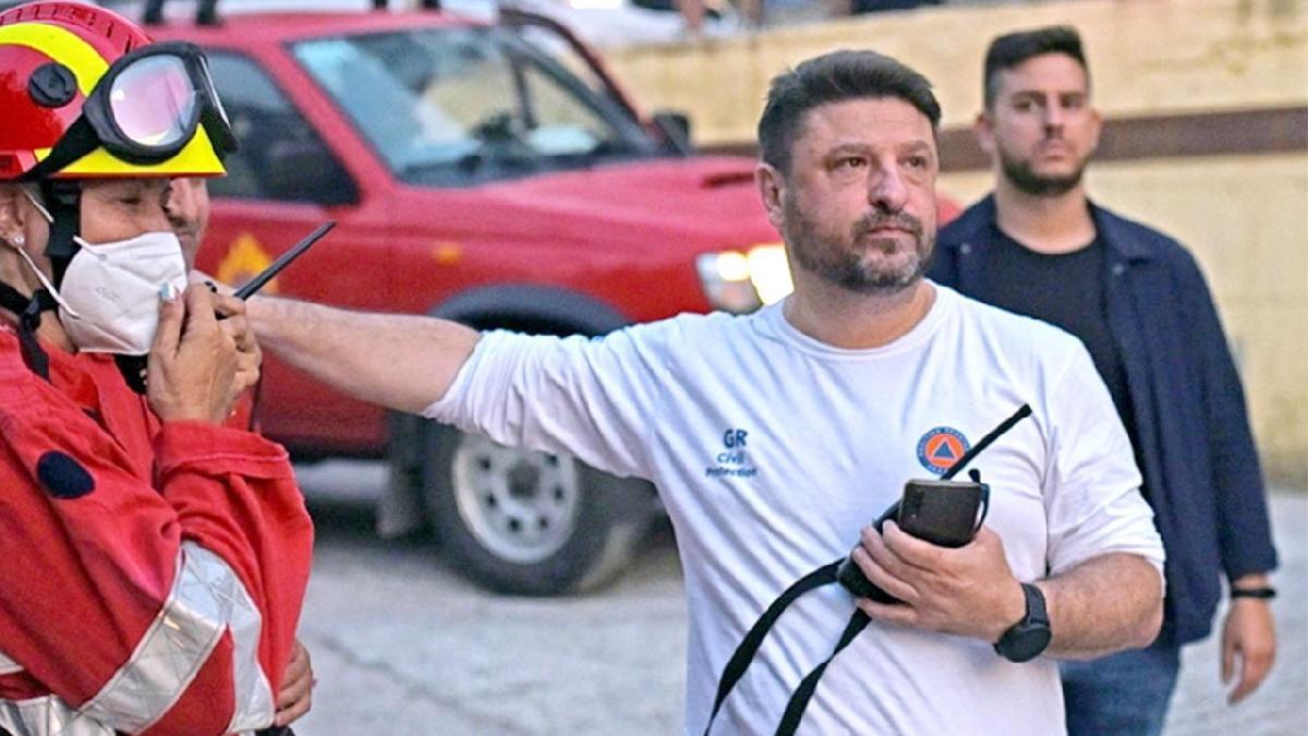 Yangınlarla mücadele eden Yunanistan Bakan Yardımcısı Hardalias kalp krizi geçirdi