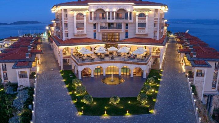 Yassıada'da inşa edilen lüks otel açıldı