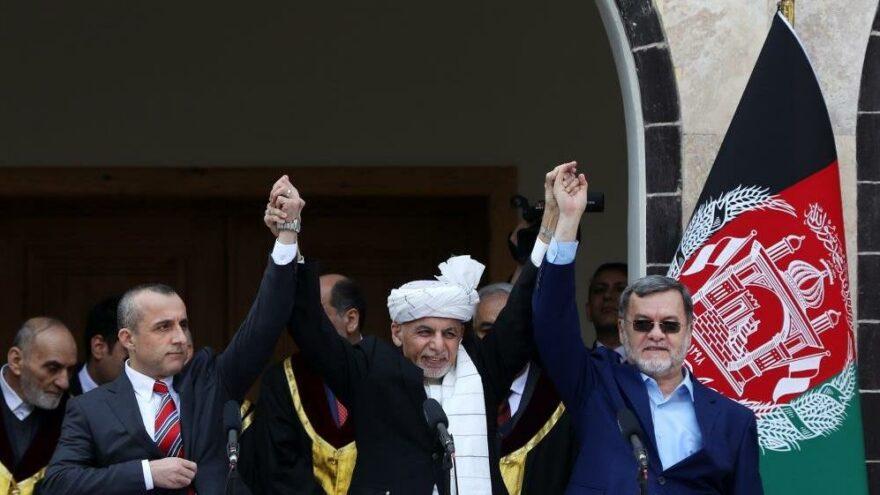 Eşref Gani'nin yardımcısı kendisini geçici cumhurbaşkanı ilan etti