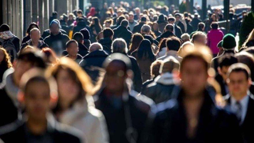Halk işsizlik, göçmen, düşük ücret sarmalında