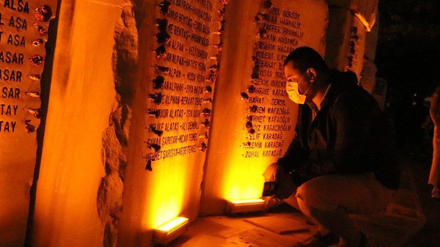 17 Ağustos depreminin 22. yılında hayatını kaybedenler 03.02'de anıldı
