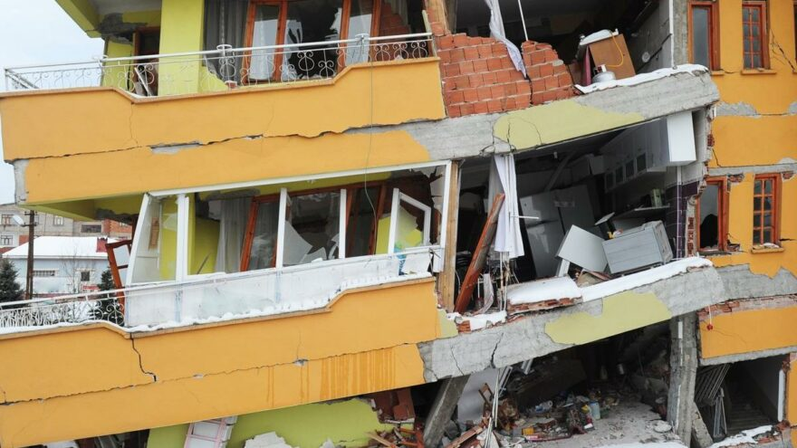 Deprem uzmanından İstanbul uyarısı: 300 kat daha ölümcül olur
