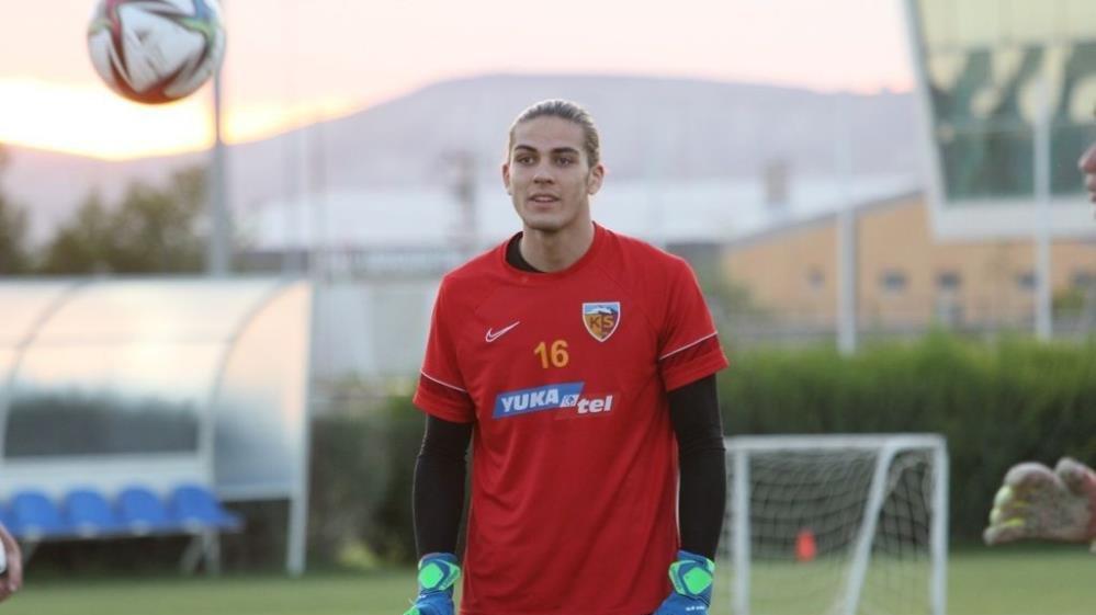 Kayserisporlu Doğan Alemdar Rennes'e transfer oldu