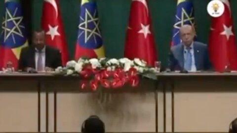 Külliye'de çevirmenden Atatürk sansürü