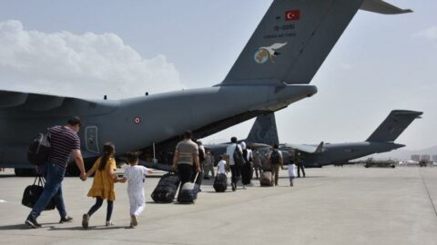 Kabil'den İslamabad'a götürülen 200 Türk, THY uçağıyla İstanbul'a getirilecek