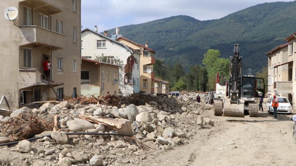 Sel sularının yıktığı köydeki vatandaşlar dehşet anlarını anlattı