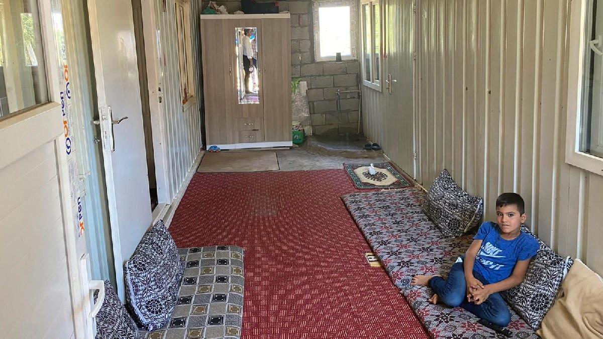 Depremzede aile hâlâ konteyner evde yaşıyor