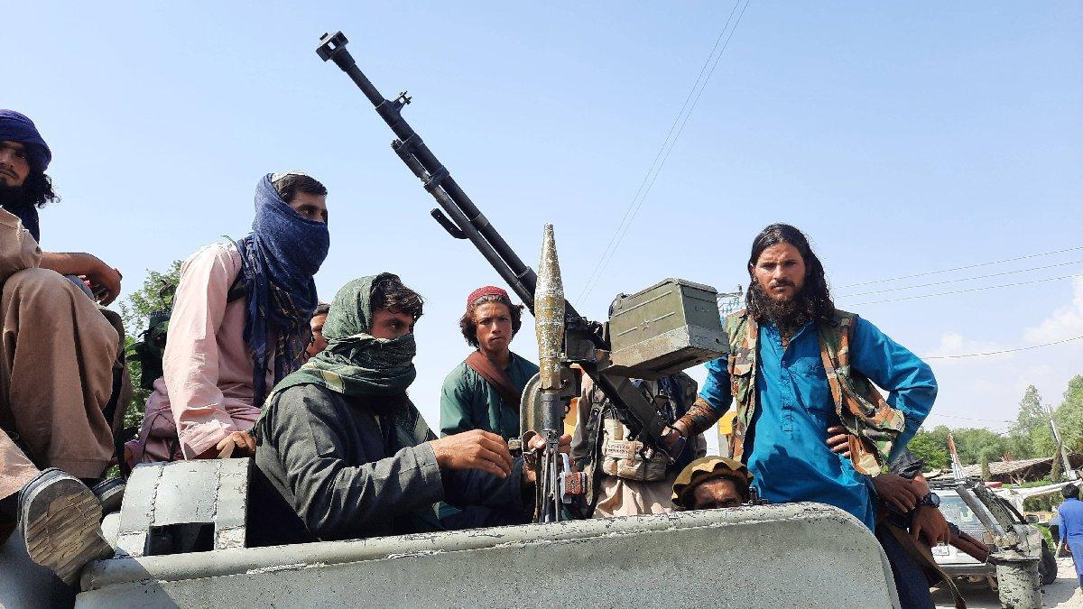 Afganistan'da son durum: Taliban göstericilere ateş açtı