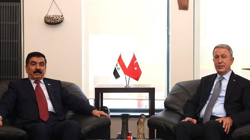 Bakan Akar, Iraklı mevkidaşı ile görüştü