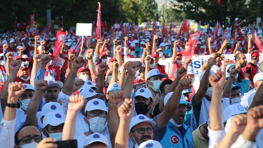 Ankara'da 15 bin memurdan 'kabul edilebilir teklif' talebi