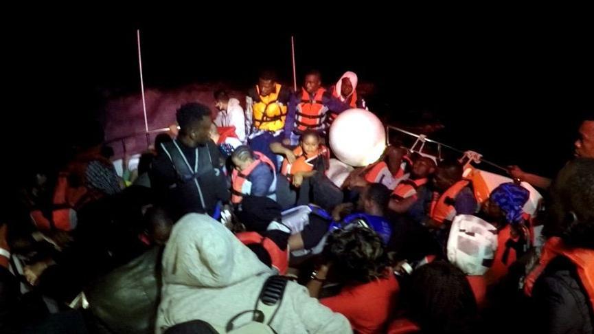 Bodrum açıklarında Yunanistan'ın Türk kara sularına ittiği 36 göçmen kurtarıldı