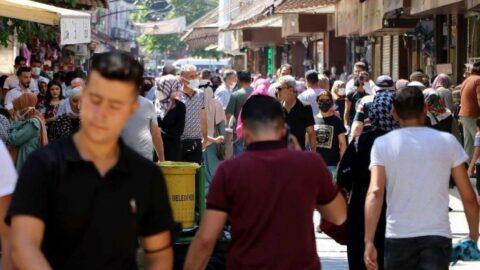 Vakaların 2 kat arttığı Gaziantep'te caddeler dopdolu