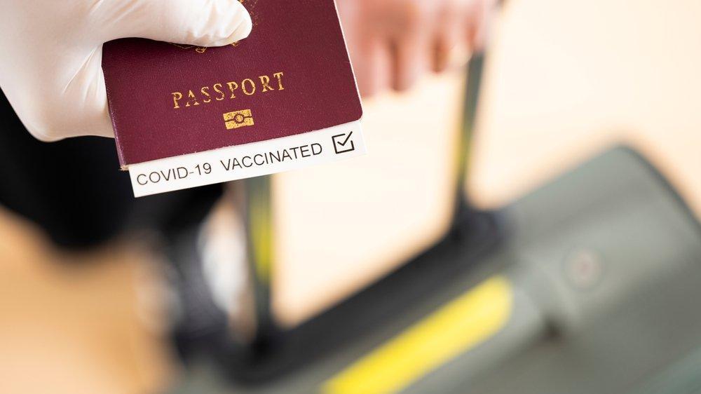 Floridalı çift, Hawaii'ye uçmak için sahte aşı kartı kullandı