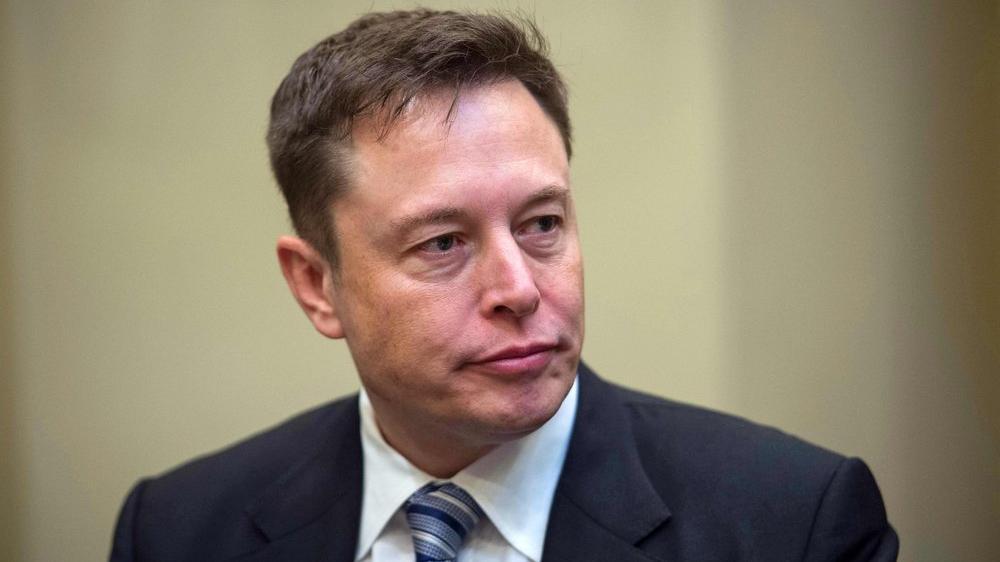 Elon Musk: İnsansı robot gelecek yıl hazır