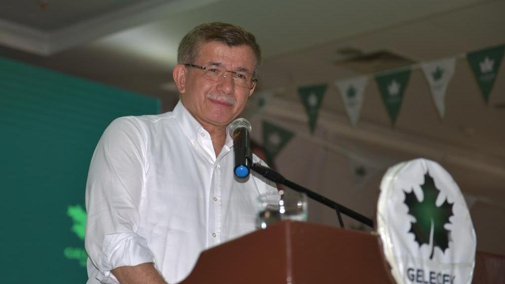 Ahmet Davutoğlu'ndan AKP'ye çok sert gönderme